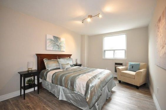 E-Staging-One-Bedroom-Condo-Staging-Consult-Add-Value-To-Your-Home-Debi-Collinson